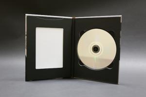 DVDケースと写真立て